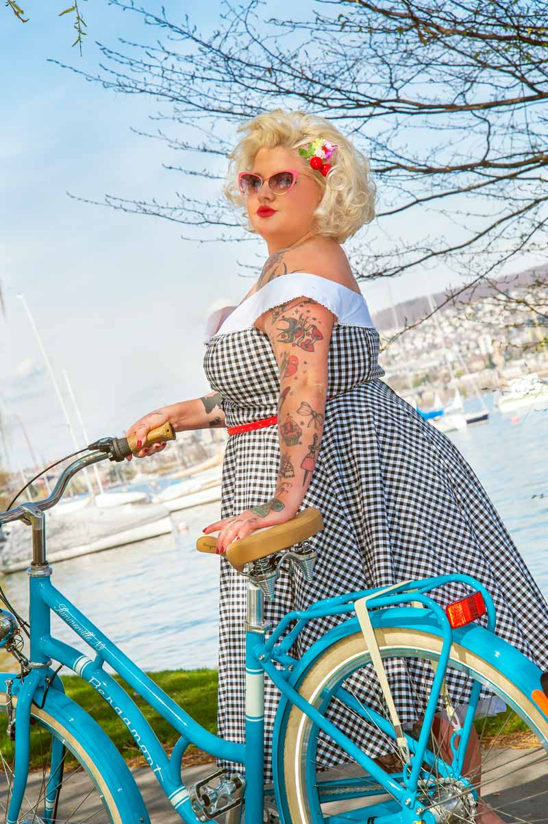 Anne - Fahrrad: bei Squadra Mondo, Zürich