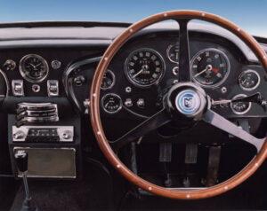 elegant-sportliches-interieur-db5-1963-1965