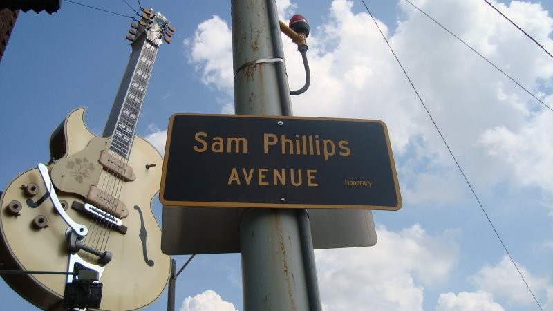 sam-phillips-avenue-vintage-times_o_coleydude_flickr_CC BY-NC-SA 2.0